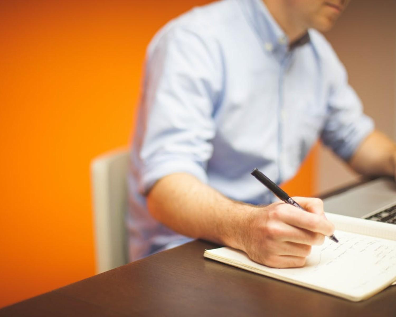 CV i list motywacyjny: wzory i szablony dla 50+ zawodów