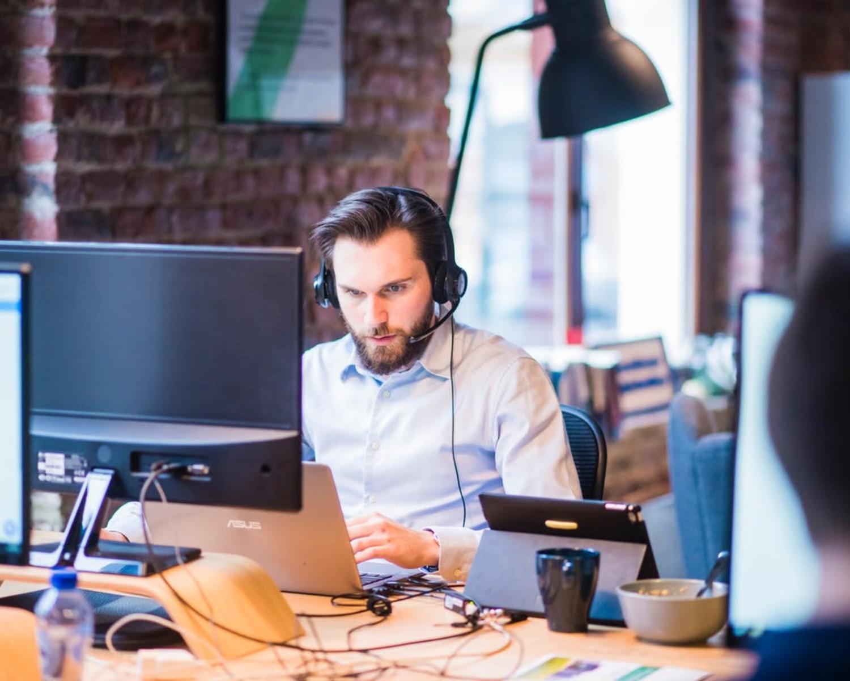 CV i list motywacyjny technik informatyk — wzór i przykłady