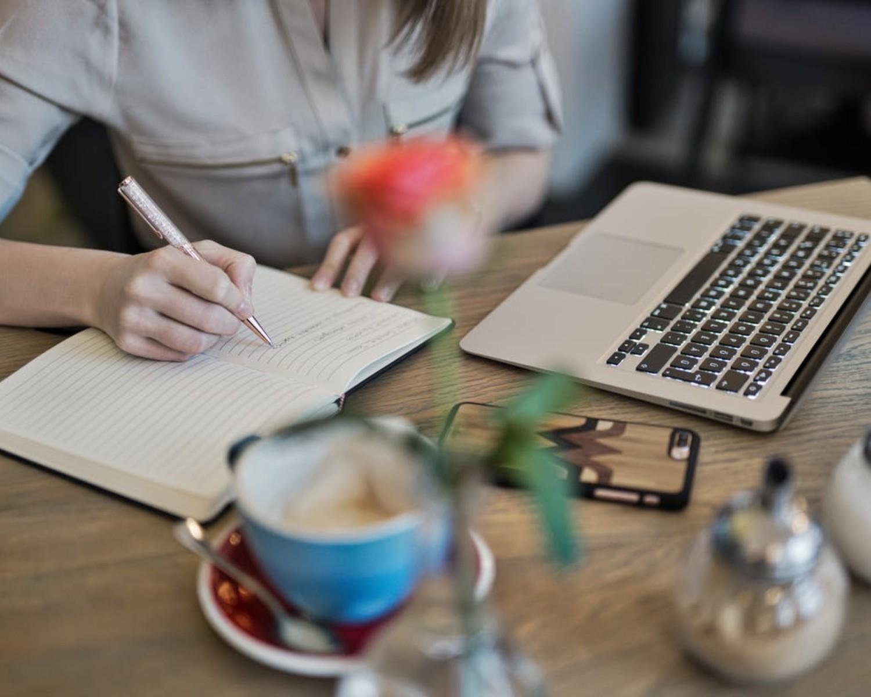 Jak napisać list motywacyjny? Wzór i przykłady listów do pracy
