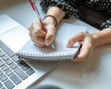 Kreator CV PUP: wady, zalety, funkcje. Jak pobrać CV z PUP?
