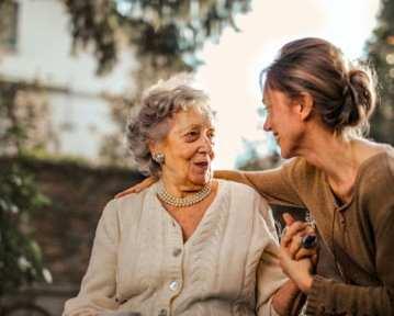 List motywacyjny opiekun osób starszych – wzór, opis, porady
