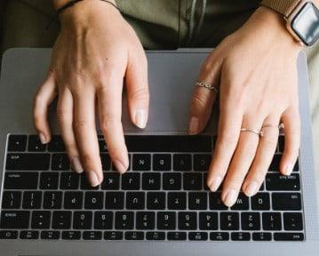 List motywacyjny do pierwszej pracy – jak napisać? Wzór, rady