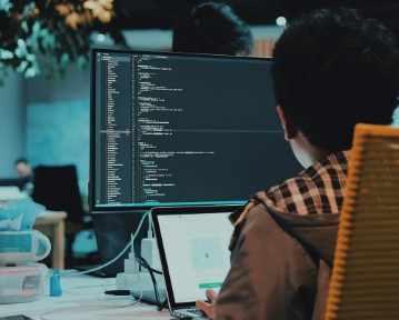 Programmer CV: template (wzór), examples (przykłady) i rady