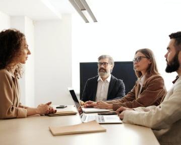 Przebieg rozmowy kwalifikacyjnej krok po kroku – jak wygląda?