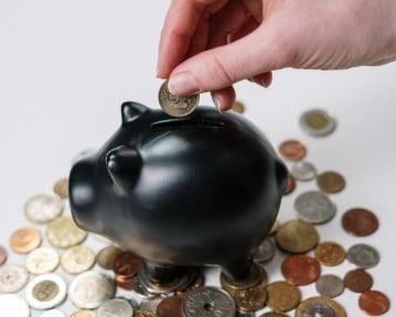 Przychód a dochód: co to jest, jak sprawdzić i czym się różnią?