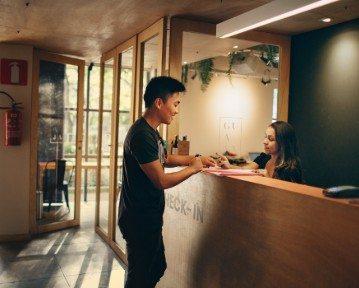 Receptionist CV — wzór po angielsku i porady ekspertów