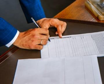 Rozwiązanie umowy o pracę za porozumieniem stron [+ wzór]