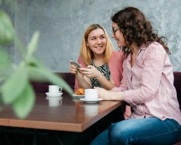 Umiejętności interpersonalne - co to? 10+ przykładów zdolności
