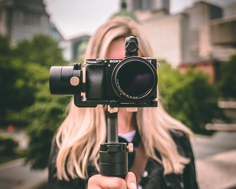 Jak zrobić skuteczne video CV i co powiedzieć? 7 przykładów