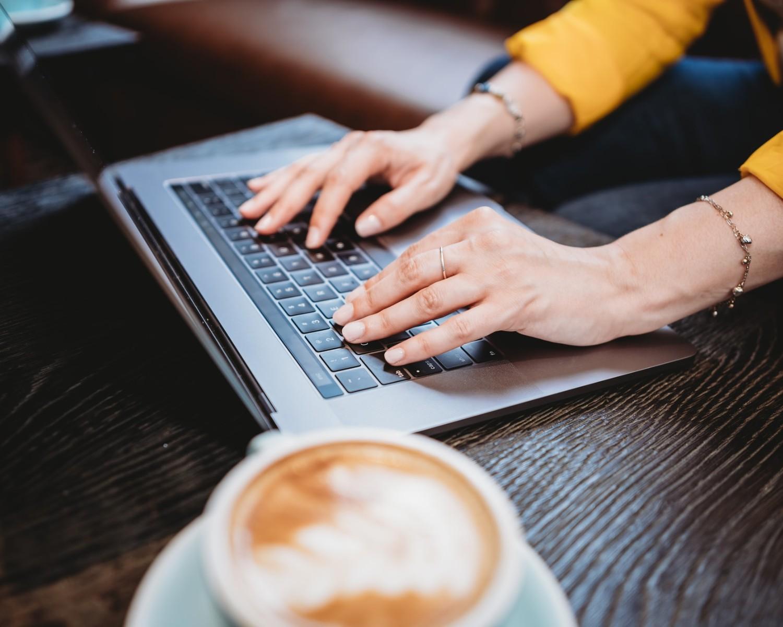 W jakim programie napisać CV? Poznaj 7 popularnych narzędzi